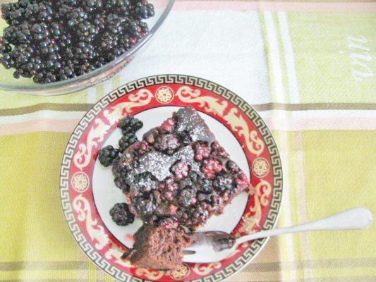 Wegańskie brownie z jeżynami