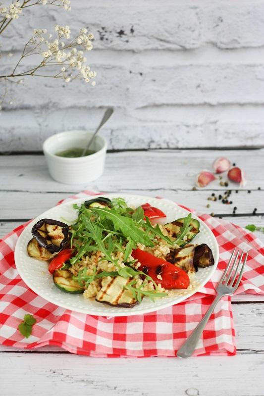 Kasza bulgur z grillowanymi warzywami