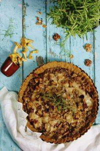 tarta z kurkami i rozmarynem bezglutenowa i wegańska, fotograf kulinarny śląsk