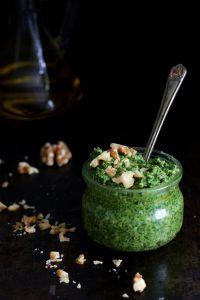 Pesto ze szpinaku z orzechami włoskimi