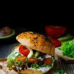 Fishburger z sosem z tatarskim